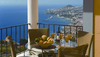 one-bedroom-sea-and-Funchal-View